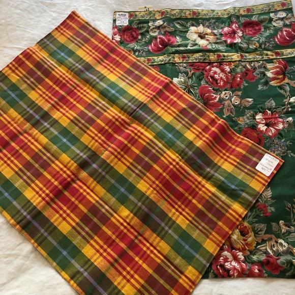 2 NWT vintage April Cornell pillow shams